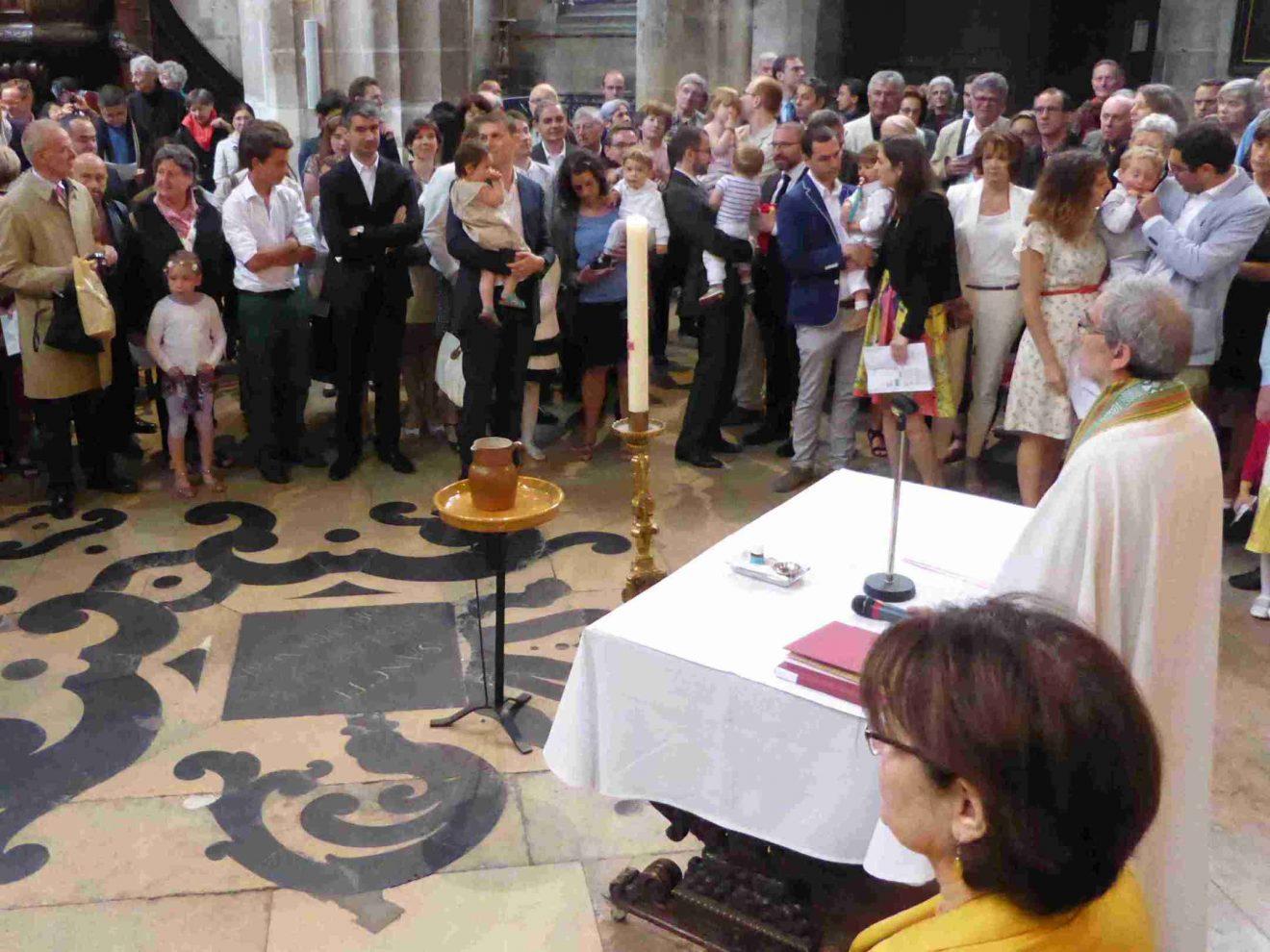 La coresponsabilité clercs-laïcs est-elle possible ?